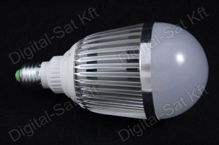 E27 LED 15W izzó 1950 Lumen meleg fehér 2 év garancia