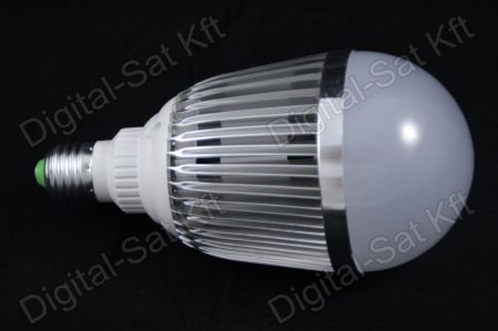 E27 LED 15W izzó 1950 Lumen hideg fehér 2 év garancia