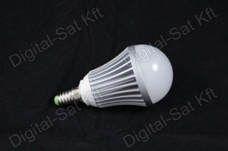 E14 LED 7W izzó 910 Lumen hideg fehér 1 év garancia